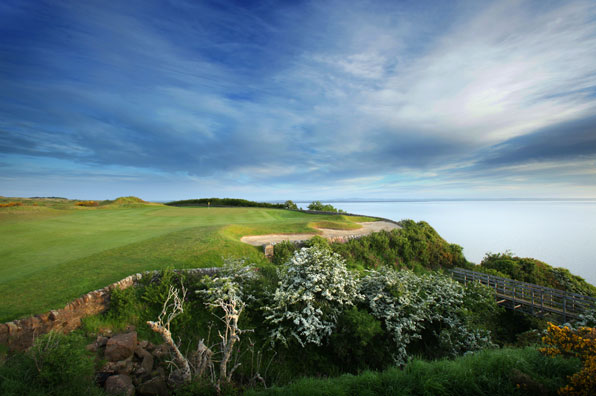 17th-hole-at-Fairmont-St.-Andrews-Kittocks-Course-Fife-Scotland